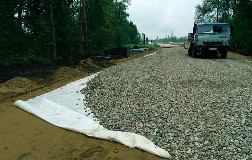 Обустройство дорог с гравийным щебнем